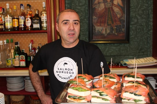 Las tapas de salm n noruego ahumado invaden madrid - Tapas con salmon ahumado ...