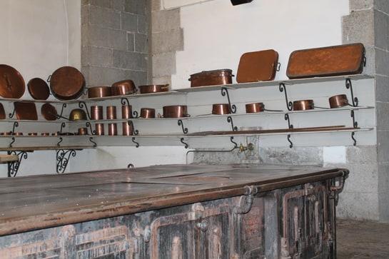 Los utensilios de metal están estañados para evitar intoxicaciones