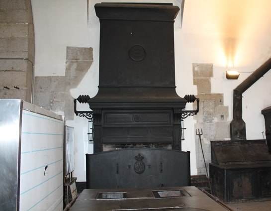 Horno giratorio del siglo XIX, en el que se asaban las piezas enteras / Foto: Juan Carlos Morales