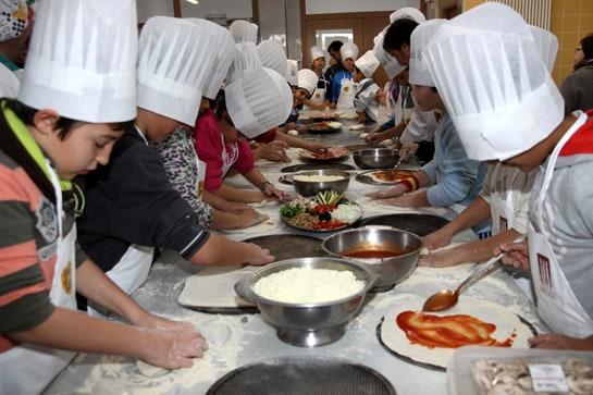 Sanidad estudia la alimentación de los niños para su política de hábitos saludables