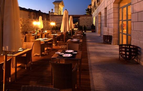 Terraza del restaurante del Parador de La Granja, en Segovia. /Ag
