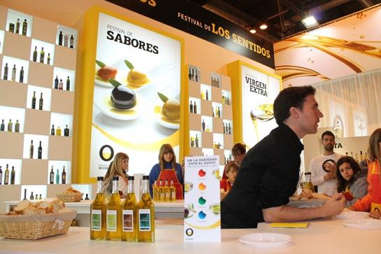 El aceite de oliva virgen extra proporciona gran variedad de sabores / JC Morales