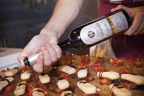 Taller de maridaje de aceites de oliva virgen extra Casas de Hualdo y panes