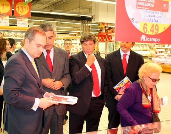 El director general de Medio Ambiente, interesado en las carnes de Guadarrama / JC Morales