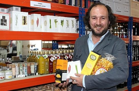 Carlos García-Amado, director de Expirit, en el almacén de la compañía / Foto: A. González