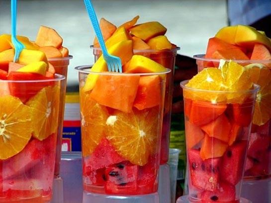 No es cierto que la fruta fermenta en el estómago.