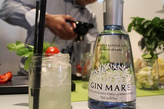 Cóctel 'Jardín', elaborado con Gin Mare por la chef Macarena de Castro / JC Morales