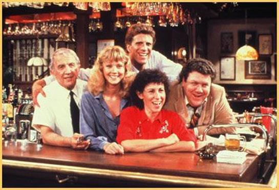 Cheers giraba en torno al bar del mismo nombre y a las divertidas aventuras de sus trabajadores y clientes