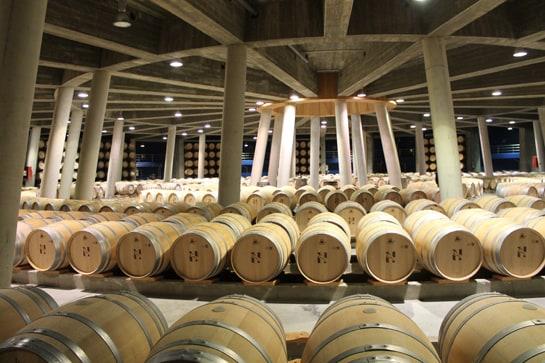 Las Rutas del Vino cuentan con bodegas modernas y vanguasrdistas como Viña Real, en Rioja Alavesa / JC Morales