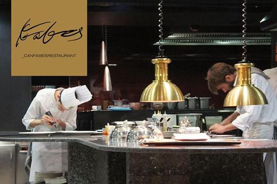 Imagen de la cocina de Can Fabes, que echará el cierre el 31 de agosto. /Ag