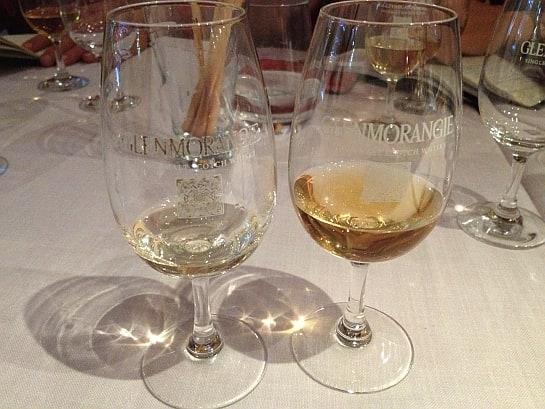 Dos de los whiskies de la cata en el restaurante Kasanova.