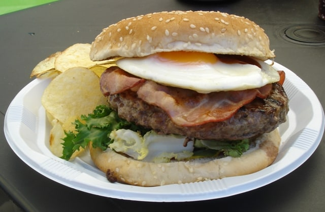 Imagen de la hamburguesa que ofrece Koldo Royo en su camión. /AMG