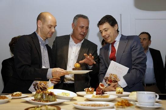 El presidente de la Comunidad de Madrid, en la presentación del libro