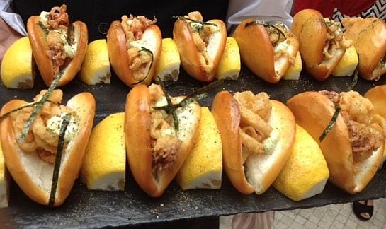 Un bocata de calamares que en realidad es de patitas de chipirón. Delicioso / Foto: L. P.
