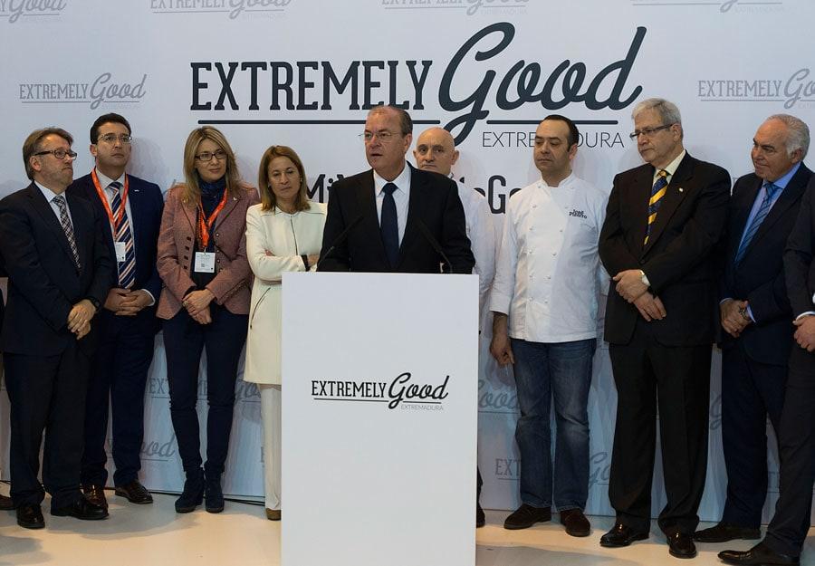 Monago en el acto de traspaso de la capitalidad gastronómica nacional de Vitoria a Cáceres