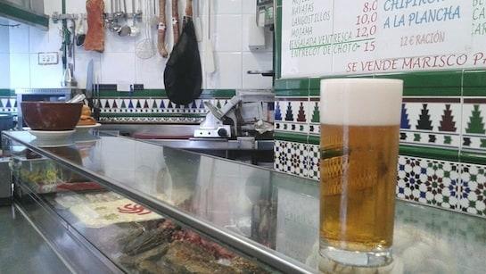 El doble de cerveza del Bar Alonso, el tercero de nuestra lista. / Foto: Enrique Lage