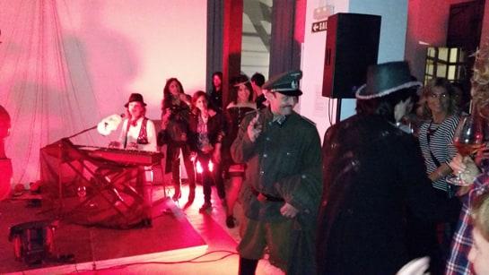 El cabaret berlinés despertó más de una sonrisa a los asistentes