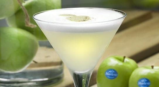 El cóctel inspirado en las manzanas Marlene.
